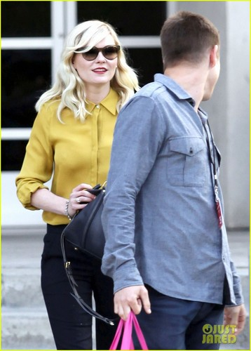 Kirsten Dunst: 'Chelsea Lately' Appearance!