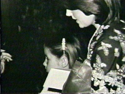 Lisa and Priscilla (1977 June)