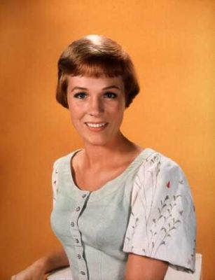 Maria Von Trapp Julie Andrews Images Maria Wallpaper And