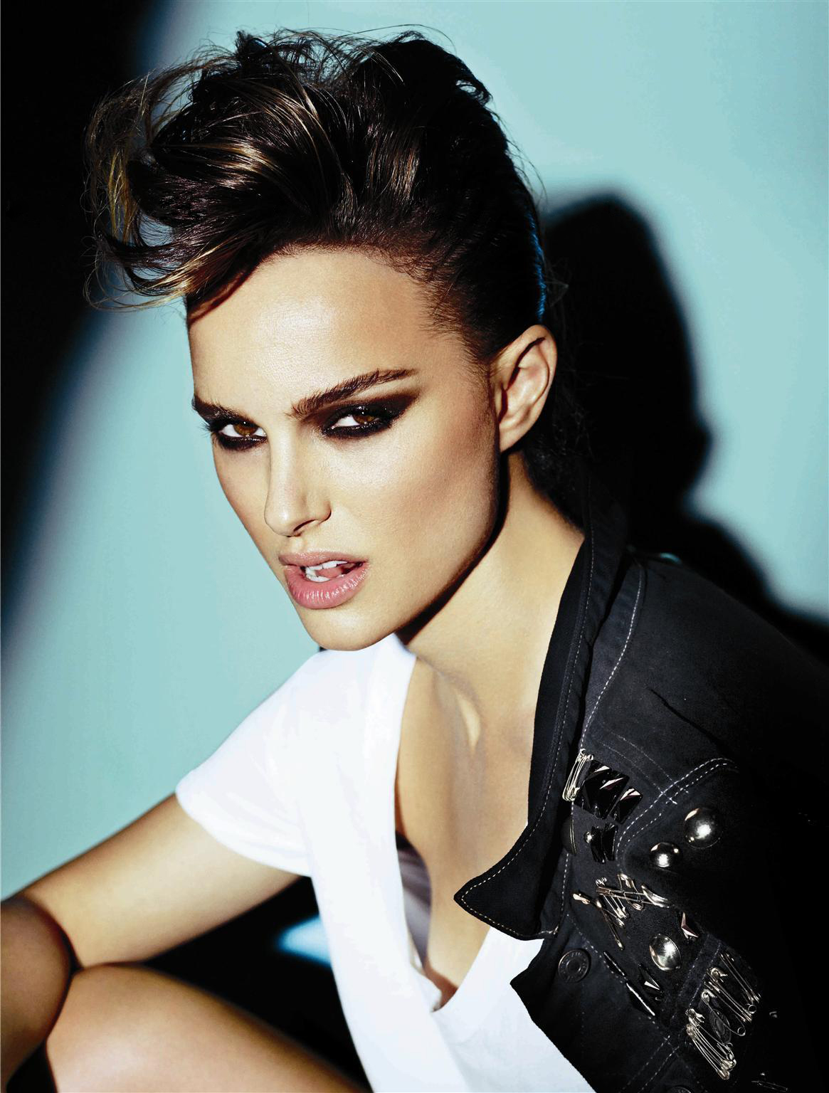 Mario Testino for V Magazine >> Without Watermark ... Natalie Portman