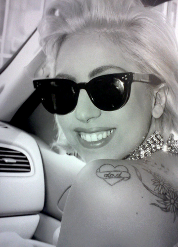 照片 from LADY GAGA x TERRY RICHARDSON