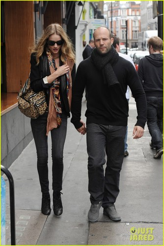 Rosie Huntington-Whiteley: Soho Stroll With Jason Statham!