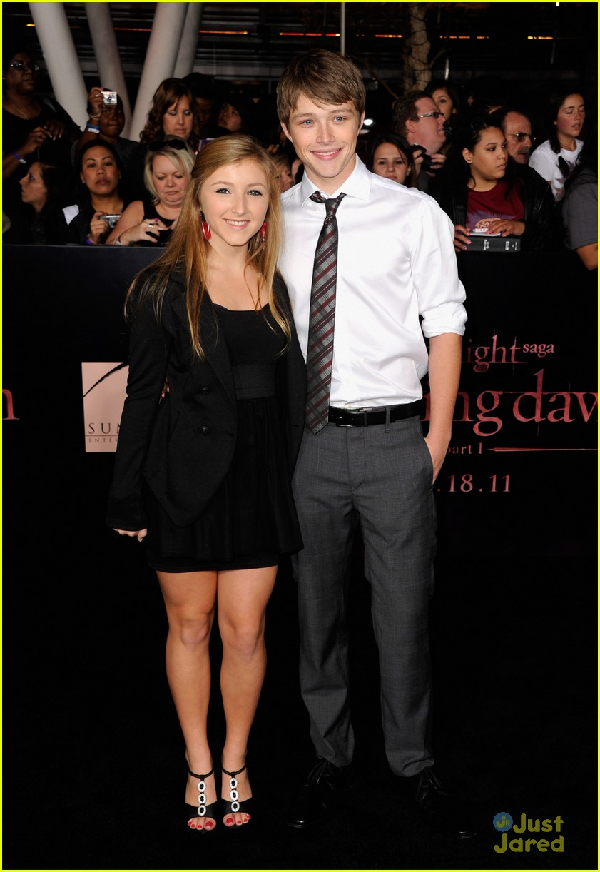 Sterling Knight Jared Kusnitz Malese Jow Breaking Dawn Premiere sterling knight 26895748 841 1222 - Sterling Knight