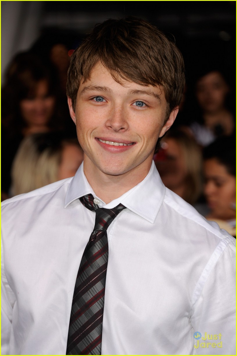 Sterling Knight Jared Kusnitz Malese Jow Breaking Dawn Premiere sterling knight 26895755 815 1222 - Sterling Knight