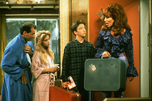 Married with Children wallpaper probably with a sign and a street titled The Bundy's