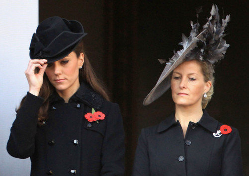 The Royal Family attend the Remembrance दिन Ceremony at the Cenotaph