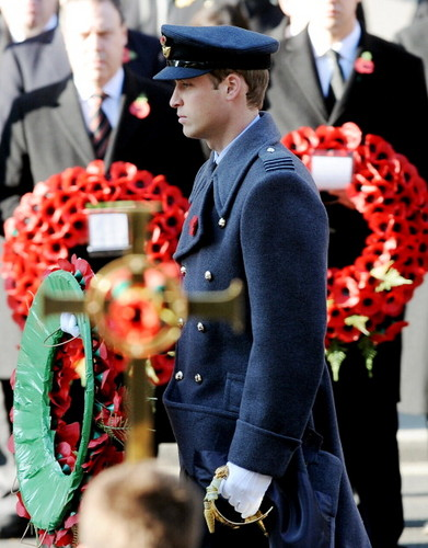 The Royal Family attend the Remembrance 일 Ceremony at the Cenotaph