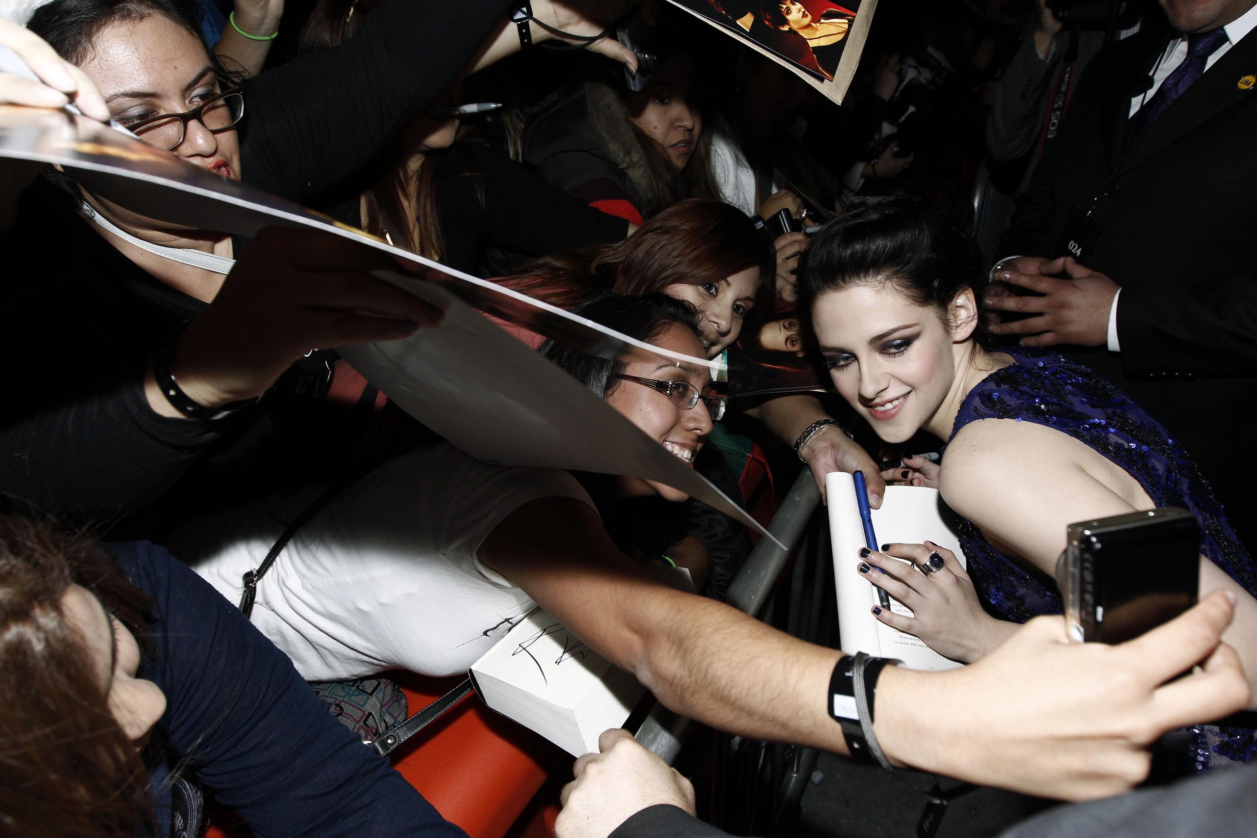The Twilight Saga: Breaking Dawn Part 1 Los Angeles Premiere 14.11.11