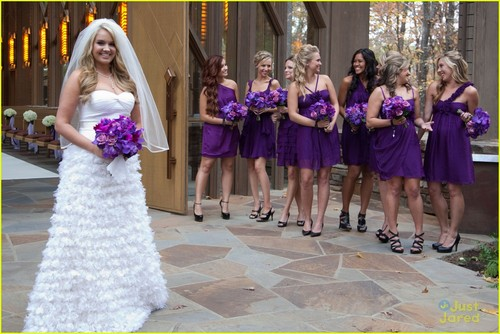 Tiffany Thornton: Wedding Pics with Christopher Carney!