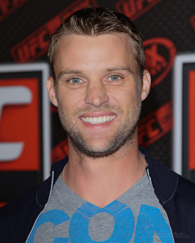 Jesse Spencer fond d'écran titled UFC on renard Live Heavyweight Championship [November 12, 2011]