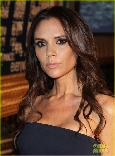 Victoria Beckham wallpaper containing a portrait titled Victoria Beckham: Women's Wear Daily Conference!
