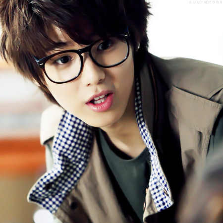 Kang Min Hyuk দেওয়ালপত্র probably with a রাস্তা called cute min hyuk