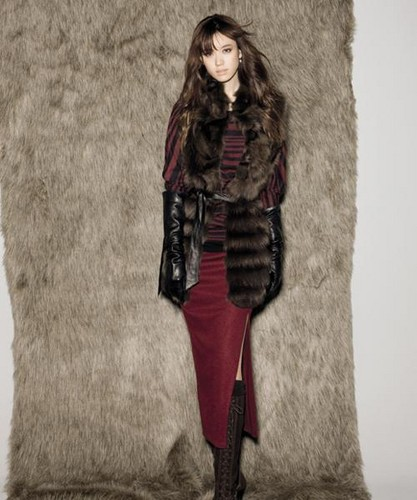 Han Hyo Joo wallpaper with a fur coat and a mink entitled hyo joo