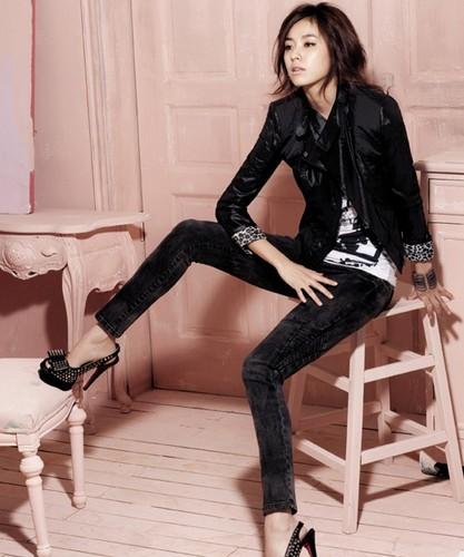 Han Hyo Joo wallpaper with a hip boot, tights, and bare legs titled hyo jooooooooooooooo