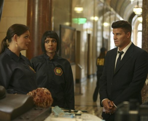 Episode 7.06 - The Crack in the Code - Promotional Fotos