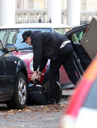 Robert Pattinson In london Today (Nov 19th)