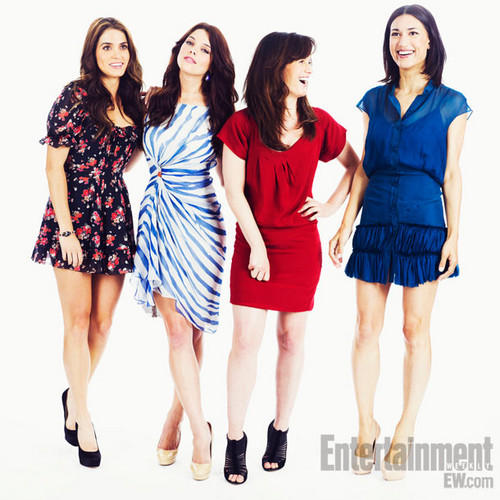 1 new portrait of Elizabeth from Entertainment Weekly @ Comic Con 2011.
