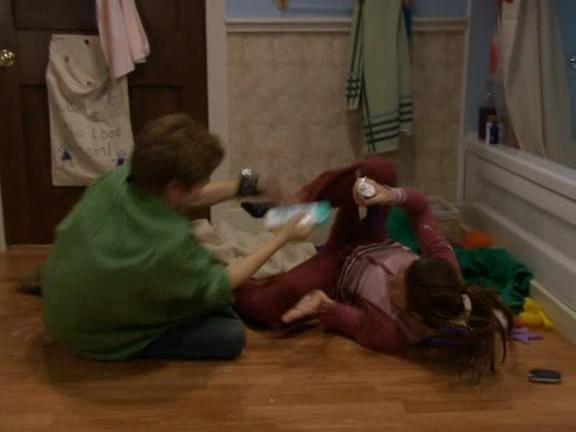 Casey & Derek 1x03 - The Party