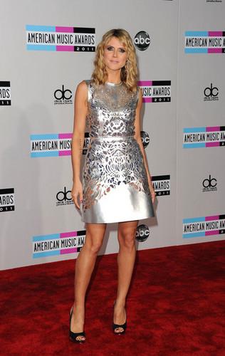 2011 American âm nhạc Awards - Arrivals (November 20)