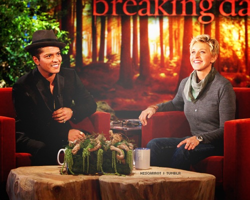 Bruno Mars fond d'écran with a holiday dîner titled Bruno on Ellen