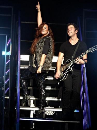 Demi performing