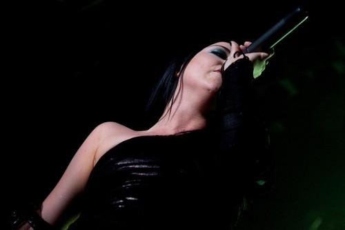 エヴァネッセンス Live 2011