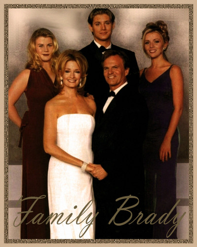 Days of Our Lives wallpaper probably containing a bridesmaid, a business suit, and a cocktail dress titled Family foto