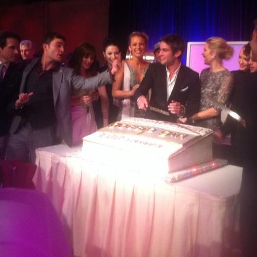 Gossip Girl for 100th Episode Celebration