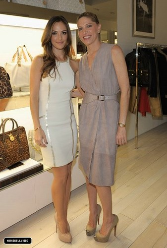 Minka Kelly - Michael Kors Celebrates The Opening Of New Robertson Boutique(November 16)