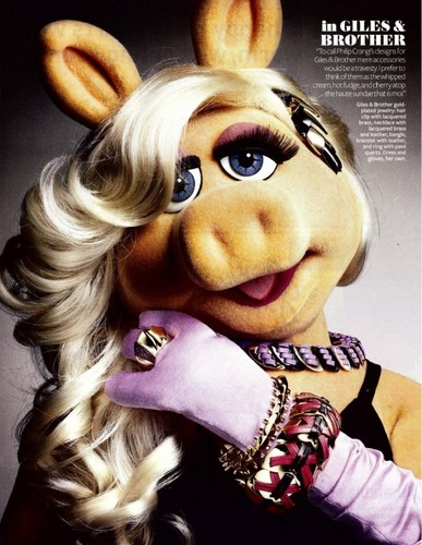 The Muppets fondo de pantalla titled Miss Piggy - InStyle Magazine