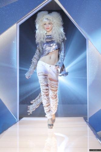 Naomi - Project Runaway (4x11)