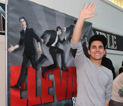 November 20, 2011 - Elevate Signing in উপসাগর Shore, NY