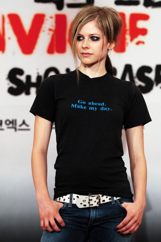 Avril Lavigne wallpaper with a jersey called Press Conference Seoul, Korea 11.08.04