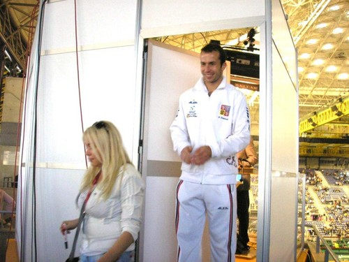 Radek Stepanek likes blondes...