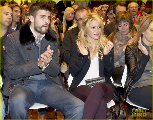 Шакира & Gerard Pique: Book Launch Lovebirds!