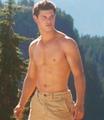 Taylor Lautner - taylor-lautner screencap