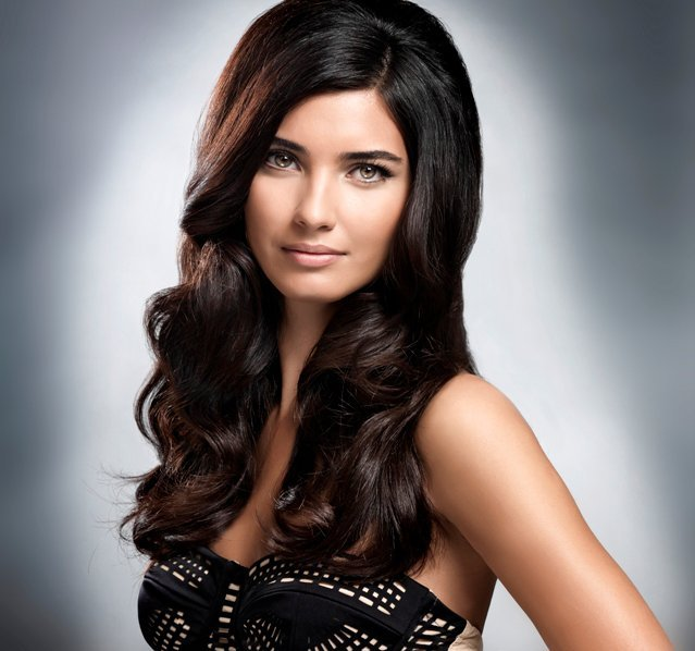 Turkish Actress Tuba Buyukustun