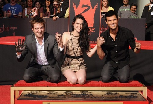 """Twilight Stars' at the hand print ceremony in Hollywood """"3RD NOV 2011"""""""