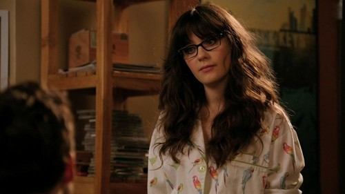 Zooey Deschanel wallpaper possibly with a portrait titled Zooey Deschanel in New Girl - Naked - 1.04