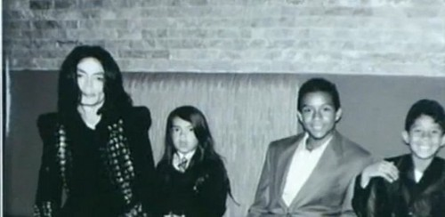 michael jackson and his son blanket jackson and michael jacksons nephews jaafar n jermajesty jackson