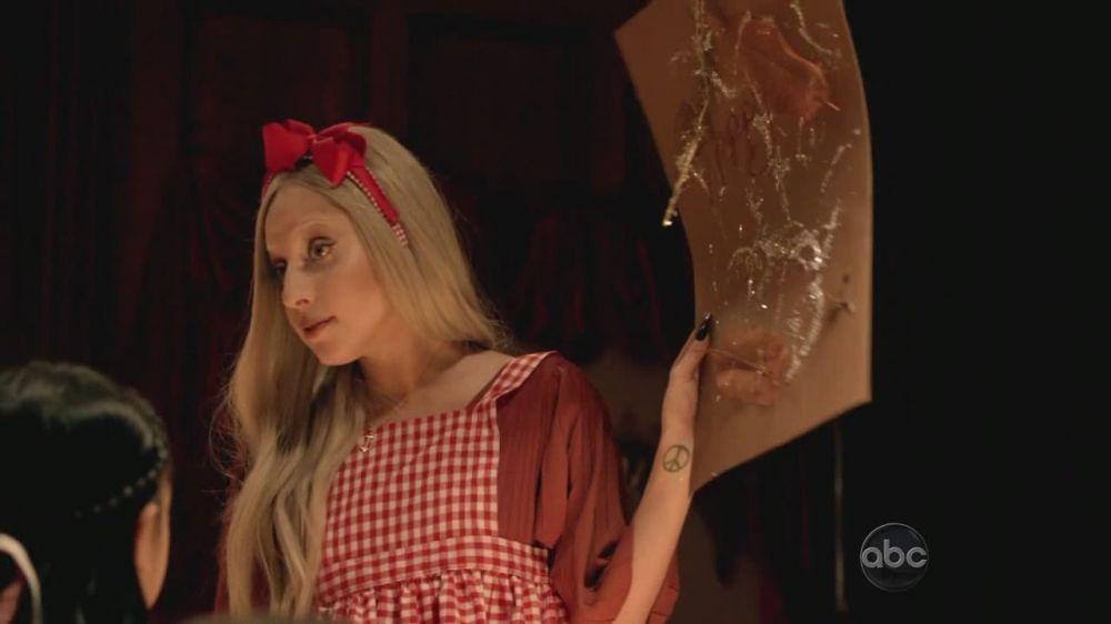 A Very Gaga Thanksgiving - Arts and Crafts at Sacred 심장