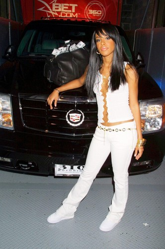 B.E.T. 106& Park Get Paid In The Escalade
