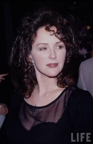 Bonnie Bedelia