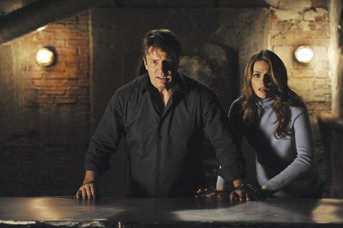 Caskett wallpaper probably containing a concert and a fire called Castle S4 Ep.10 Cuffed