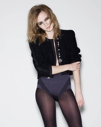 Emma Watson wallpaper with tights entitled Elle UK 2009