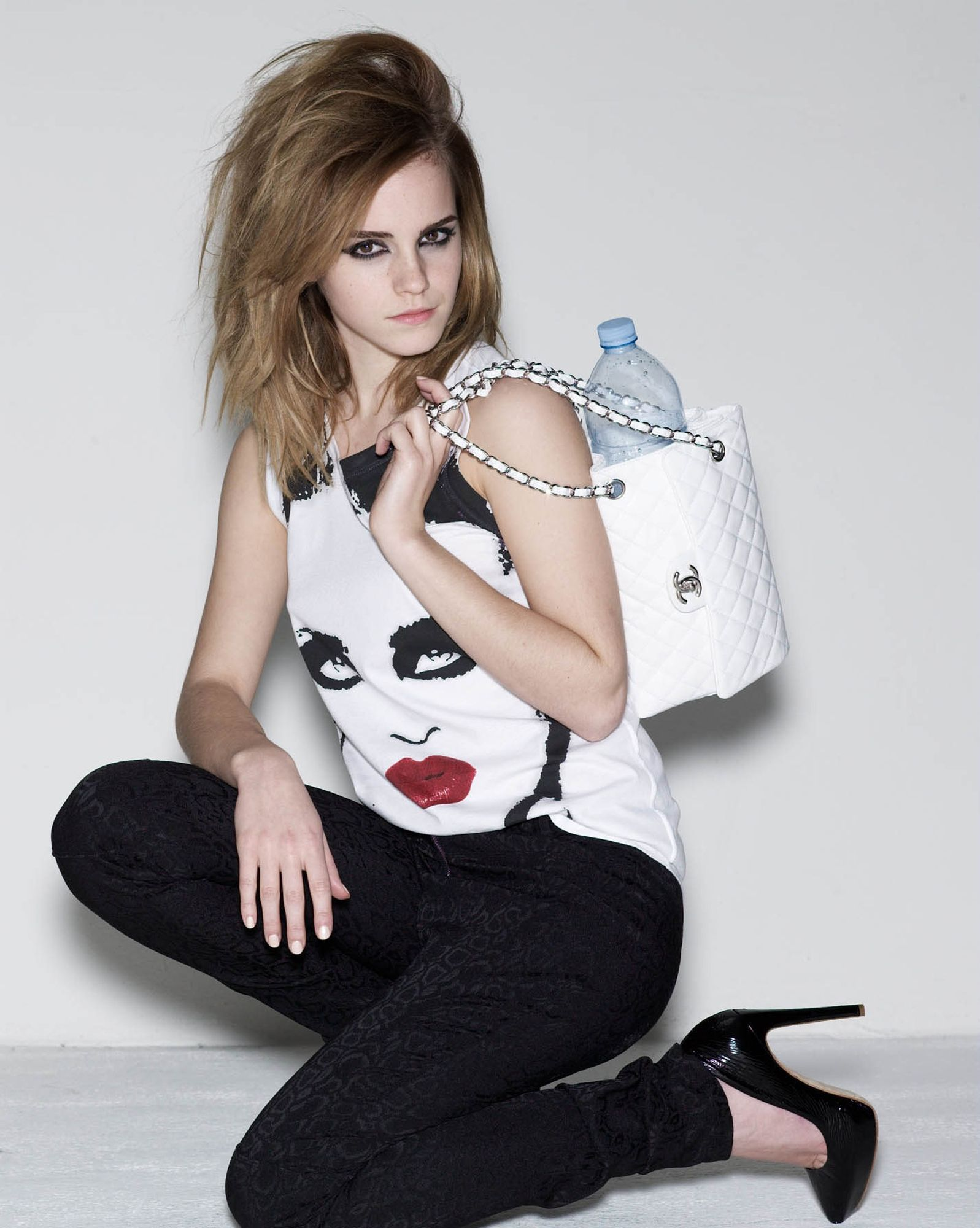 Elle UK 2009 - Emma Watson Photo (27080388)