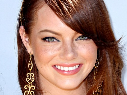 Emma Stone wallpaper containing a portrait entitled Emma Stone Wallpaperღ