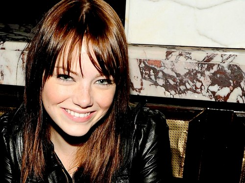emma stone fondo de pantalla possibly containing a portrait called Emma Stone Wallpaperღ