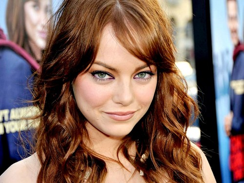 Emma Stone karatasi la kupamba ukuta containing a portrait called Emma Stone Wallpaperღ