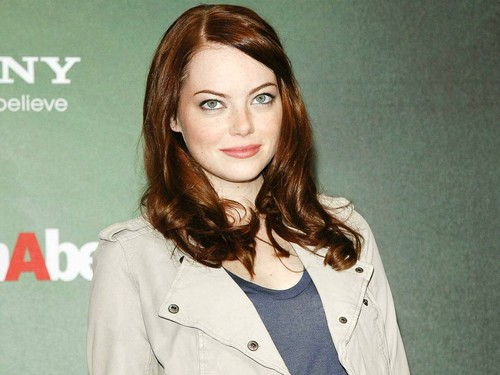 Emma Stone wallpaper possibly with a trench coat and a pea jacket called Emma Stone Wallpaperღ